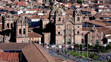 Plaza de Armas. Iglesia de la Compañía de Jesús