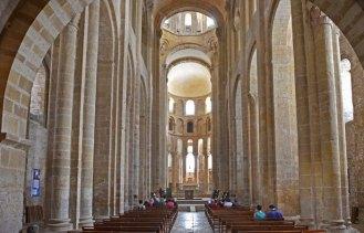 Interior de la iglesia Sainte-Foy (Conques)