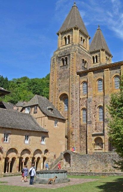 Claustro y Torres - Antigua Abadía Sainte-Foy