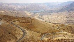 Ruta del Rey - Al fondo el embalse de Mujib