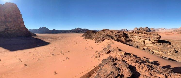 Panorámica del mar de arena roja