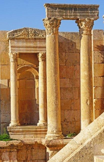 Ninfeo en el Cardus Maximus (Jerash)