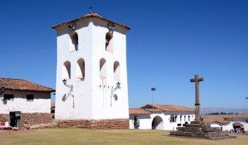 Chinchero. Torre de la Iglesia de Santiago