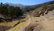 Chinchero. Valle con Terrazas de Cutivo Incas y, al fondo, los Andes