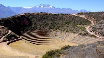 Moray. Anfiteatros de Cultivo y Cordillera de los Andes