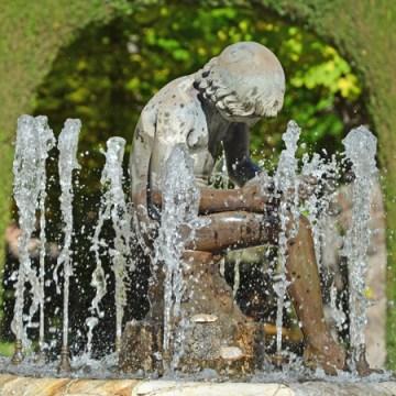 Fuente de Espinario - Jardín de la Isla