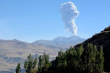 Valle del Colca. Erupción del Volcán Sabancaya