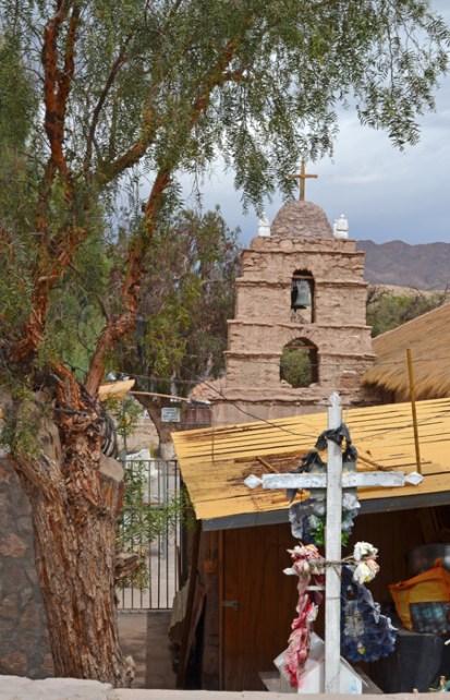 Campanario de la iglesia de Ayquina