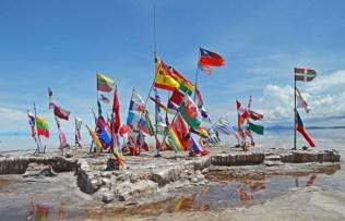 Banderas en el Hostal de Sal