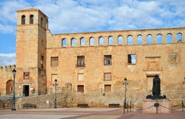 Fachada del Palacio de los Duques de Frías
