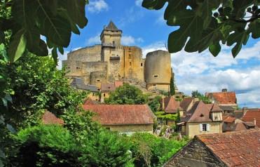 El disputado castillo de Castèlnau e la Capela