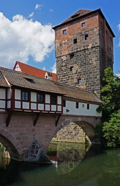 Puente del Verdugo y Torre del Agua