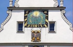 Reloj solar y carrillón (Rathaustrinkstube)