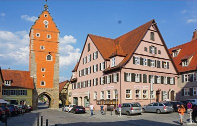 Puerta de Rotemburgo (Rothenburger Tor)
