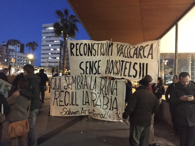 Audiencia ciudadana y pacto local: dos formatos para el debate público sobre el turismo responsable en Barcelona.