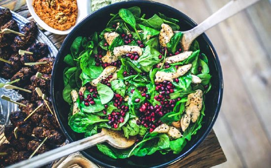 spinach and pomegranite seed salad