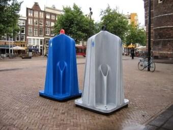 Inodoros públicos para hombres