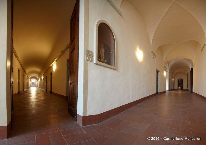 due claustri