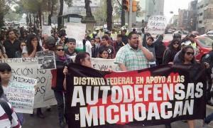 marcha-apoyo-autodefensas-Michoacán