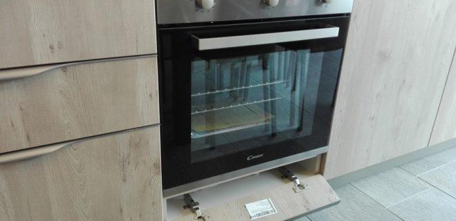 cucina lineare - dettaglio base forno