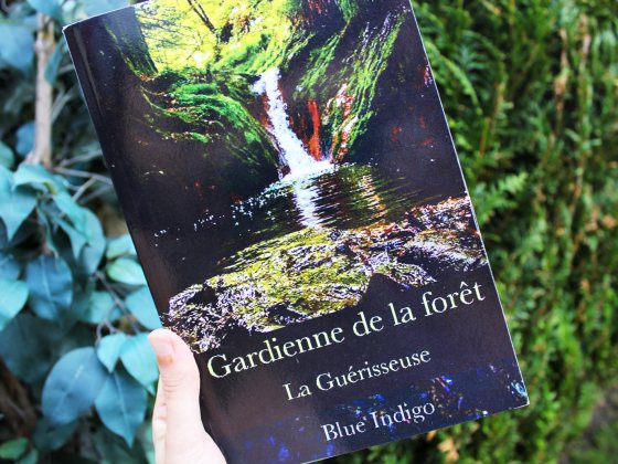 Gardienne de la forêt - Blue Indigo