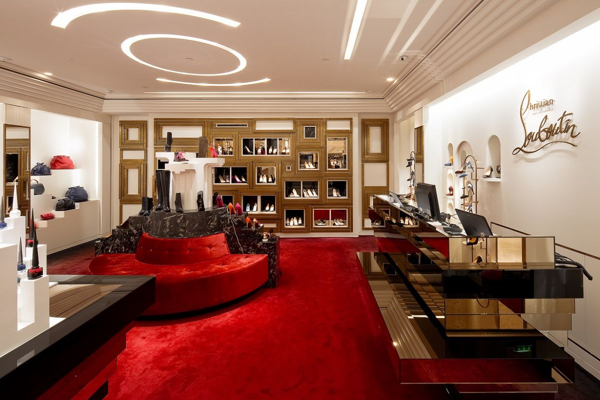 louboutin paris boutique adresse