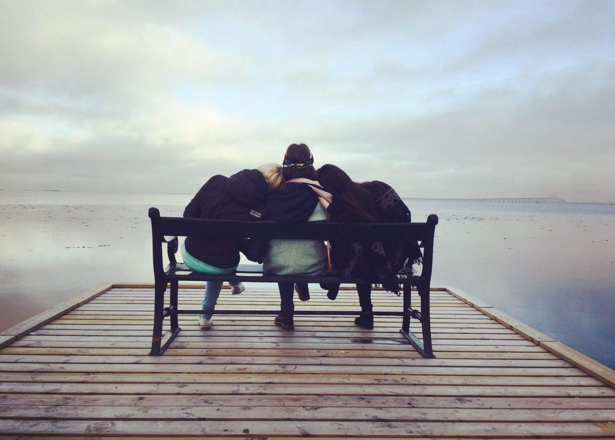 bande-de-filles-avoir-son-groupe-de-copines-vacances-entre-filles