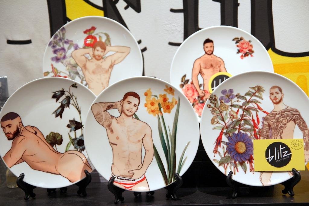 blitz-boutique-cadeaux-lyon-assiettes-imprimees-hommes-tatoues