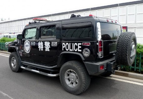 Hummer H2 China police