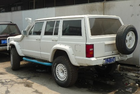 Beijing-Jeep Cherokee is very White in China
