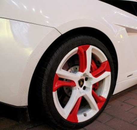 Lamborghini Gallardo with Strange Wheels from China