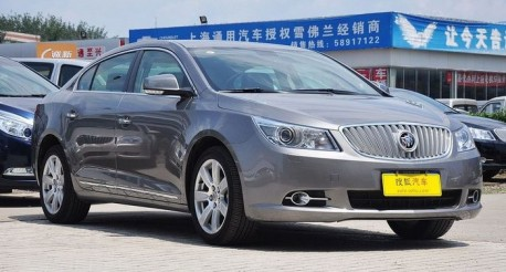 facelifted Buick Lacrosse testing in China