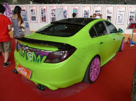 Buick Regal is lime-green in China
