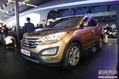 new Hyundai Sante Fe testing in China