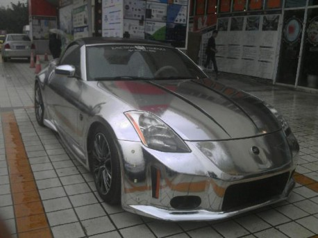 Nissan 350Z Roadster is Bling in China