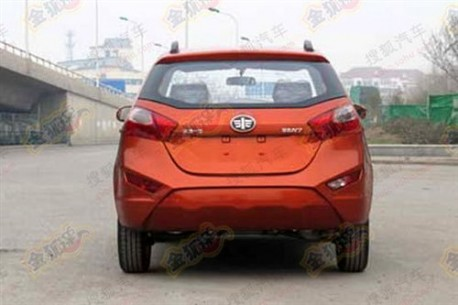 Spy Shots: FAW-Xiali N7 without camouflage in China