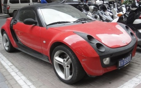 Spotted in China: Smart Roadster