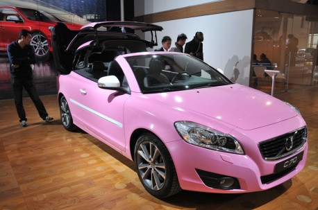 Volvo C70 is Pink in China