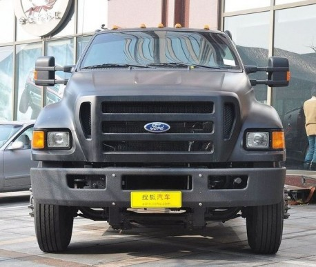 Ford F-650 Super Duty is matte black in China
