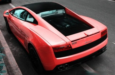 Lamborghini Gallardo is Pink in China