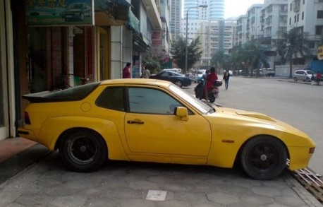 Spotted in China: Porsche 924 Carrera GT