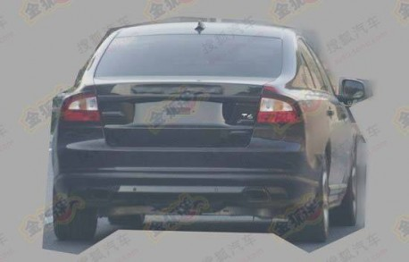 Spy Shots: facelifted Volvo S80L testing in China again
