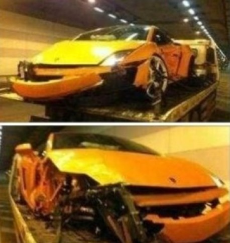 Crash Time China: Lamborghini Gallardo hits a Tunnel and some Benz