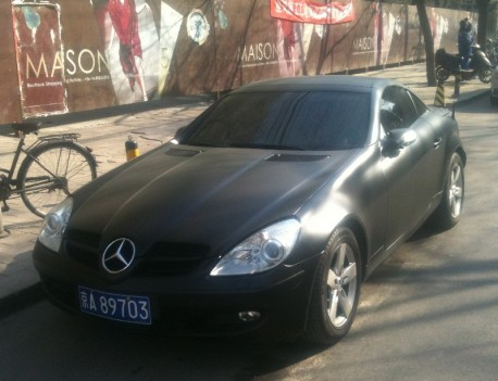 Mercedes-Benz SLK is matte black in China