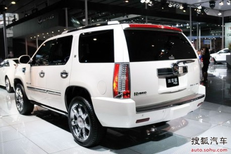 cadillac-escalade-hybrid-china-2