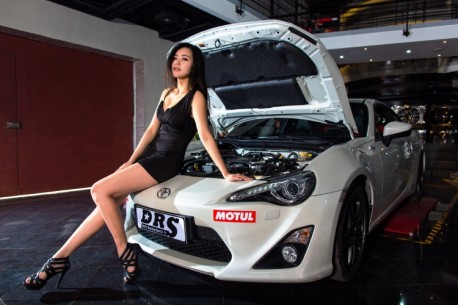 china-car-girl-toyota-86-5