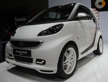 Smart Jeremy Scott Edition hits the Chinese car market, with Wings