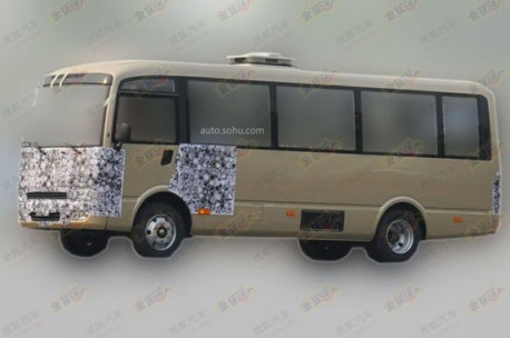 Spy Shots: Chery going into minibuses, clones the Nissan Civilian