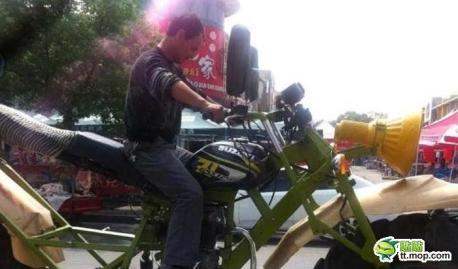 giant-motorbike-china-3