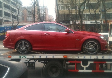 mercedes-c63-coupe-china-2